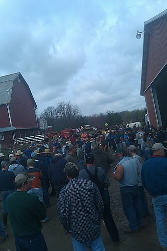 Big crowd at the equipment auction!
